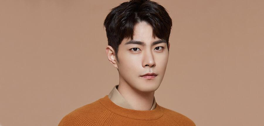 Hong Jong-hyun   ile ilgili görsel sonucu